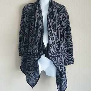 MAX JEANS Aztec Print Black Gray Cardigan Size 2X